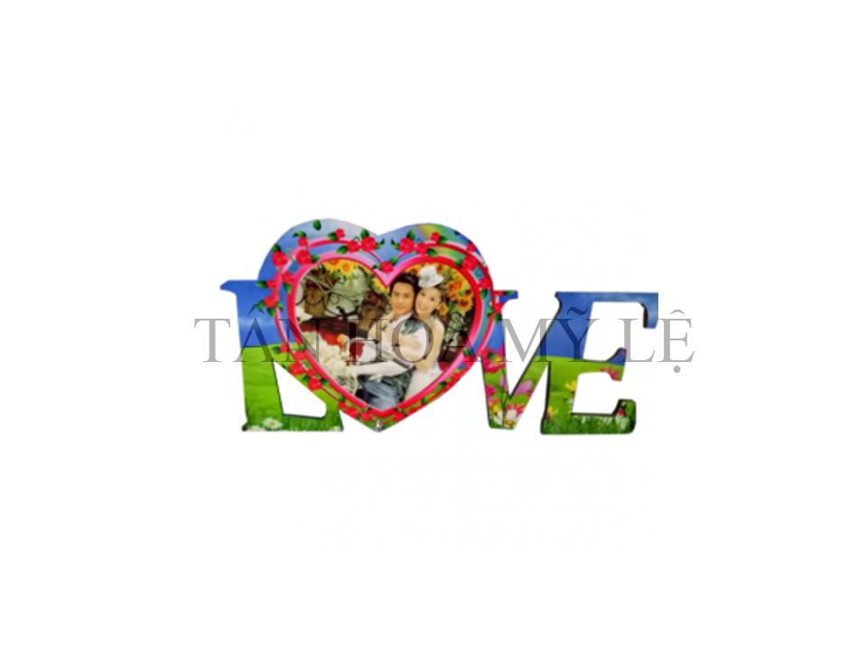 KHUNG HÌNH GỖ MDF CHỮ LOVE